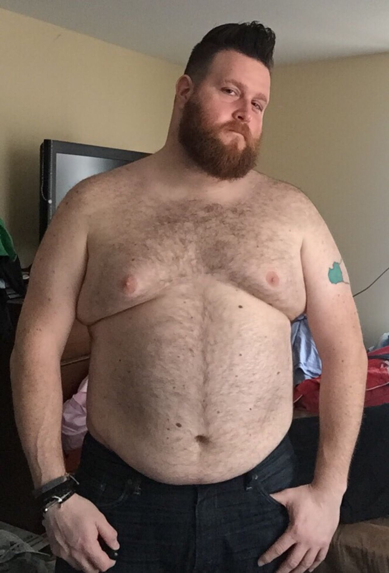 Free masterbating skinny gifs
