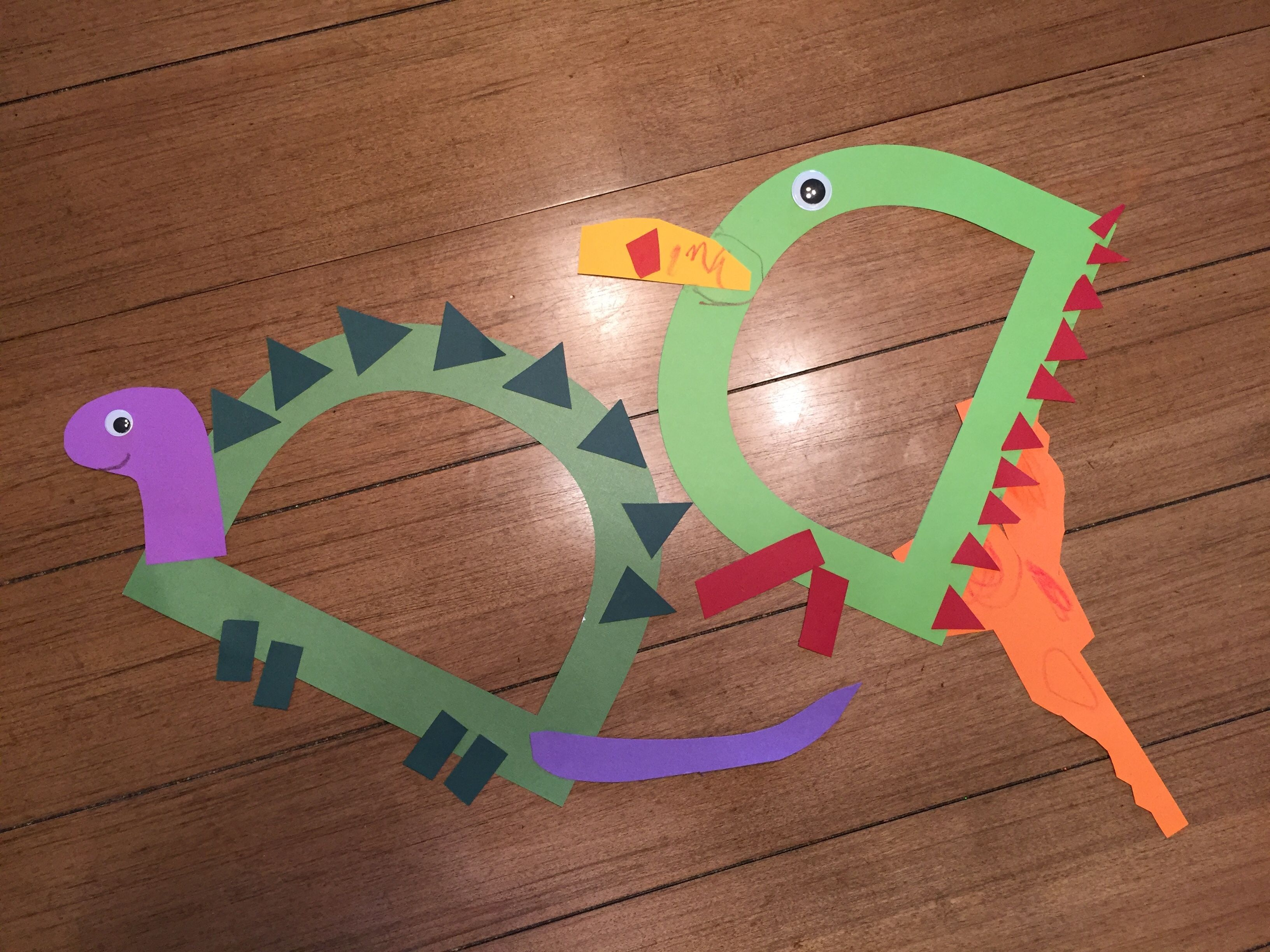 D is for Dragon & Dinosaur Learning letters, Dinosaur