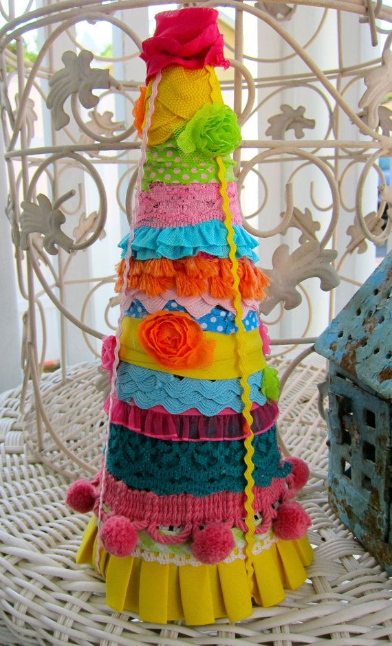 Mexican Christmas Party Ideas Part - 18: Love This Decorative Mexican Christmas Table Tree!