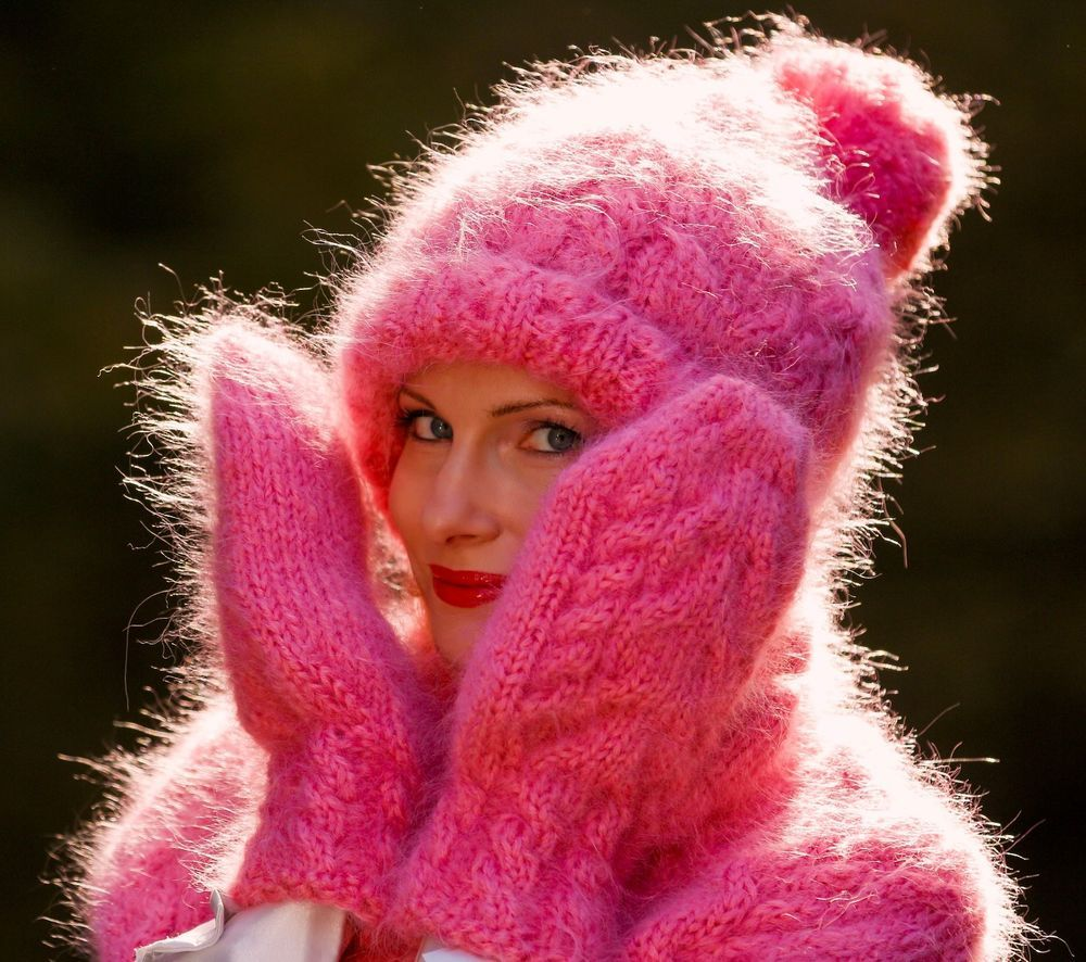 PINK Hand Knitted Mohair Fuzzy Cable knit Set Hat Scarf Mittens by ...