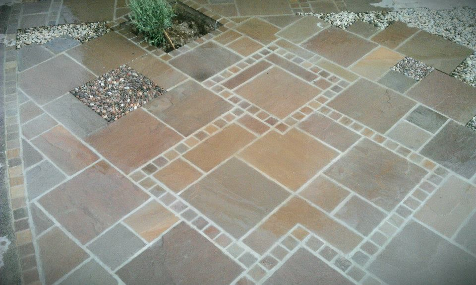 Nice details in this #flagstone paver #patio | Johnny Clasper via The Owner Builder Network