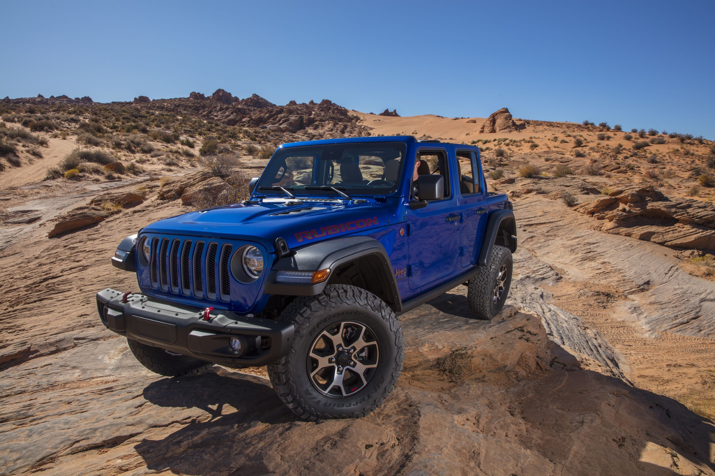 Jeep Hopes To Fend Off The Ford Bronco By Giving The Wrangler More Standard Equipment Top Speed In 2020 Jeep Wrangler Rubicon Jeep Wrangler Unlimited Jeep Wrangler