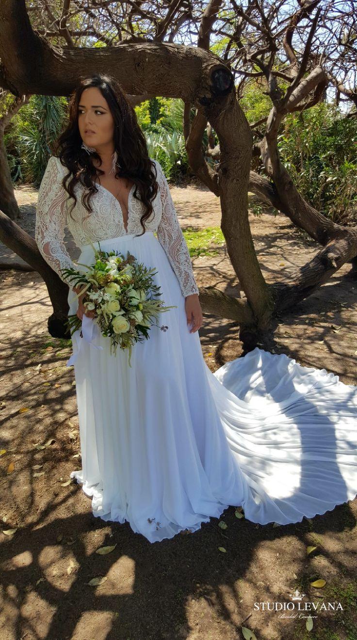 Böhmisches Hochzeitskleid in Übergröße mit langen, abnehmbaren Ärmeln zum B…