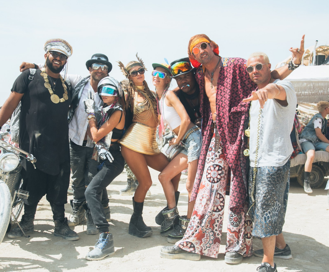 Paris Hilton, Cara Delevingne and friends at this year's Burning Man.   Путешествия