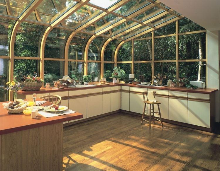 Wintergarten aus Holz selber bauen -tipps-dachverglasung-gewoelbt - küche aus holz