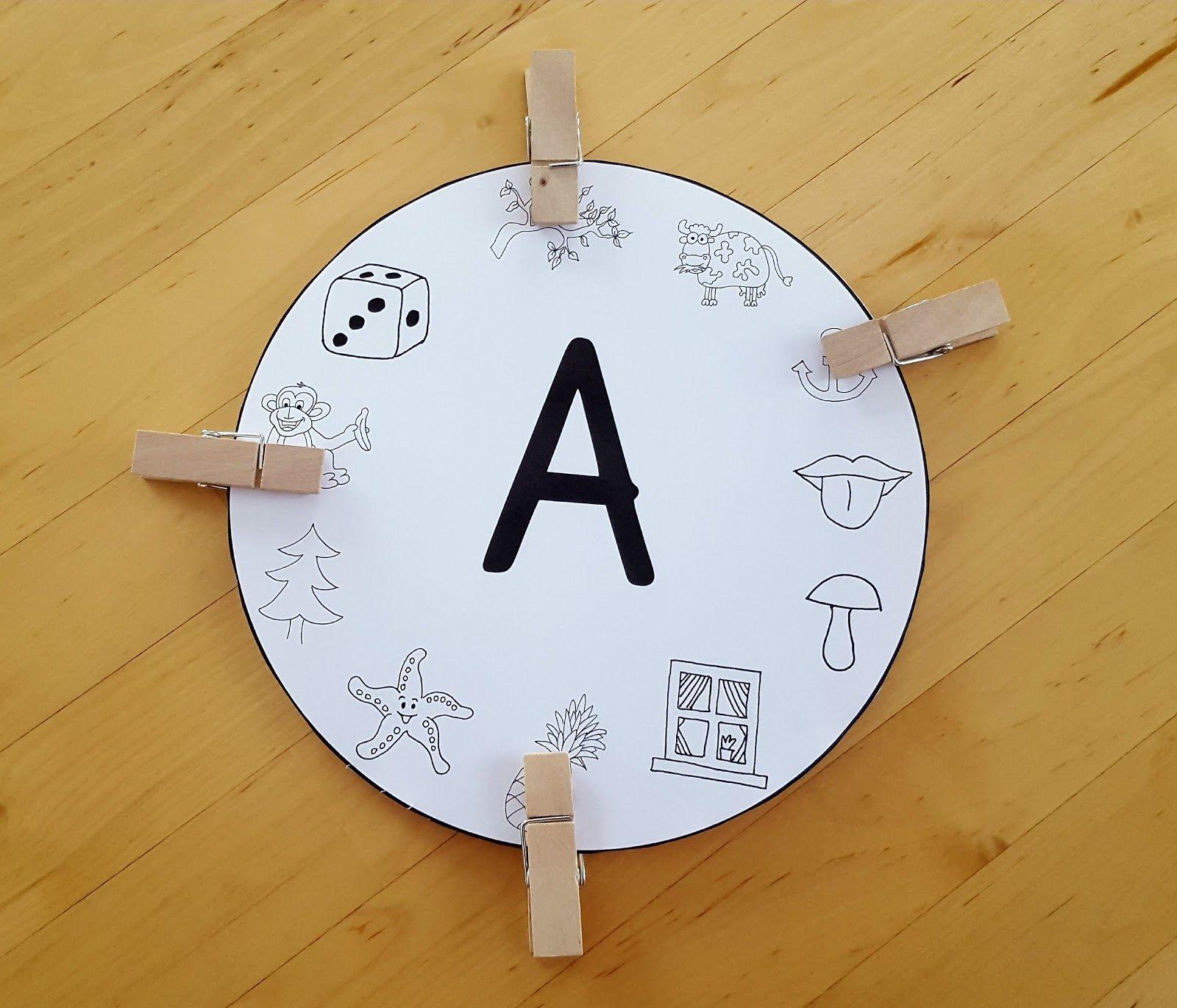 Ich habe für jeden Buchstaben eine solche Anlautscheibe entworfen ...