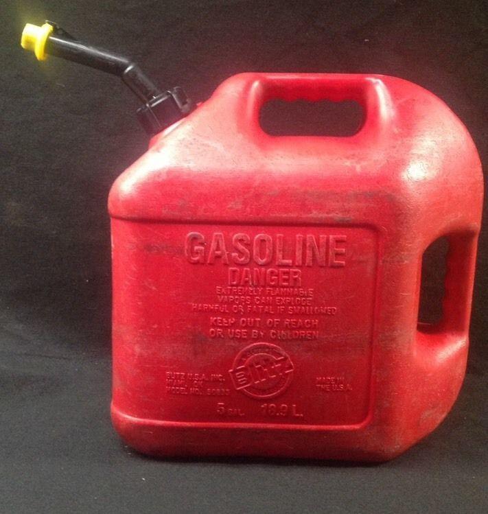 Vintage Blitz 5 Gallon Plastic Gas Can W Old Style Spout Yellow End Cap