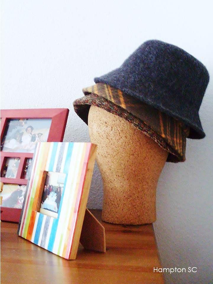 Tus sombreros no solo se pueden lucir en tu cabeza, también son un excelente accesorio de decoración en tu espacio de vivencia, claro debes saber en donde cubicarlos.