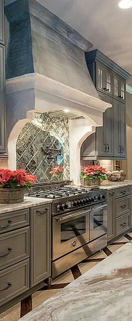 Love The Mirror Backsplash Behind The Stove Luxury Kitchen