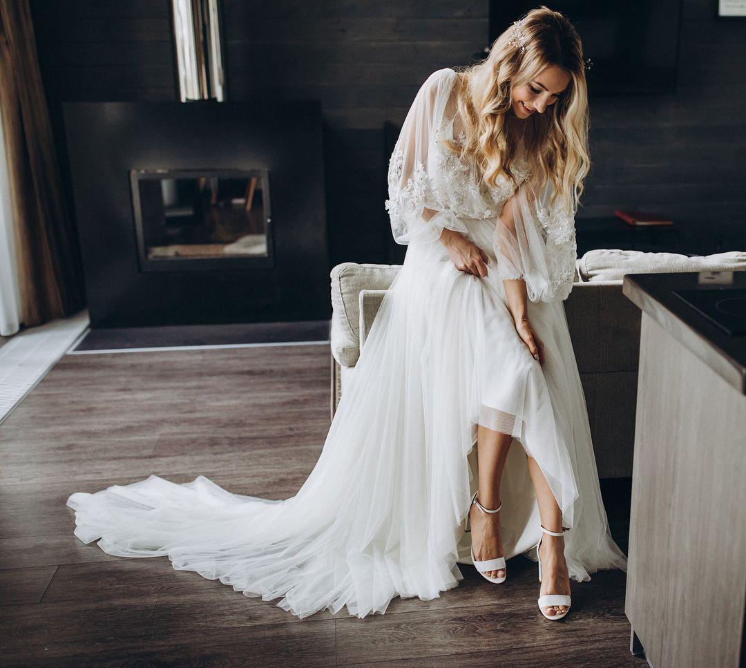 Kachorovska White Leather High Heeled Sandals Kachorovska Wedding Dresses Lace Fashion Dresses [ 967 x 1080 Pixel ]