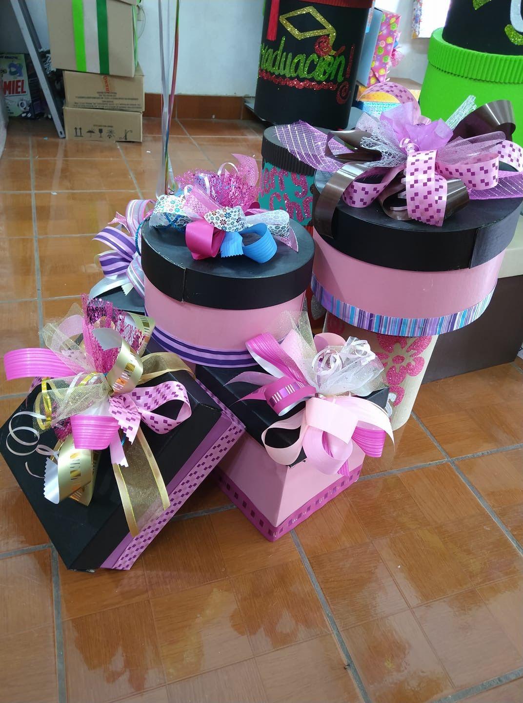Pin De Marilyn Rivera En оформление подарка Hacer Cajas De Regalo Cajas Para Regalar Carpetas Decoradas Para Preescolar