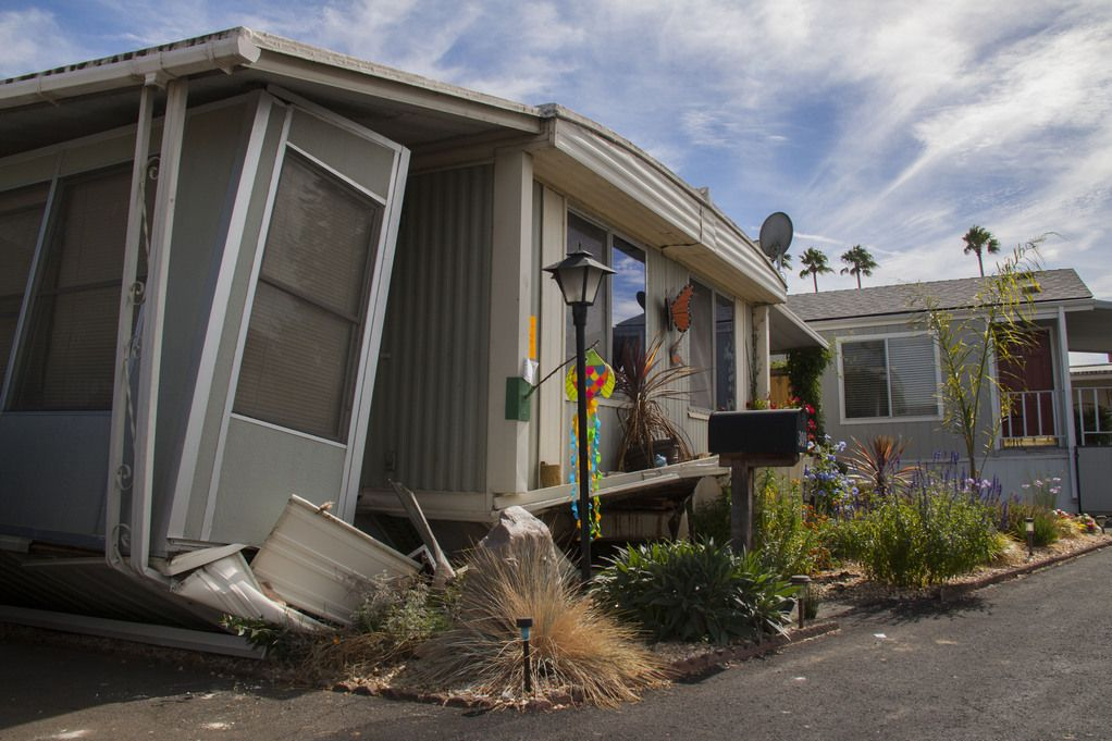 Mobile Home Damaged By Napa Earthquake Fema Mobile Home