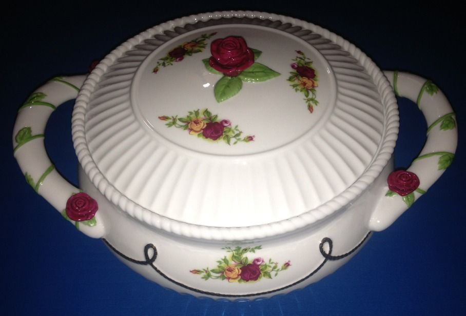 """Royal Albert Old Country Roses 1962 Covered Vegetable Dish 8"""" by 8""""   eBay"""
