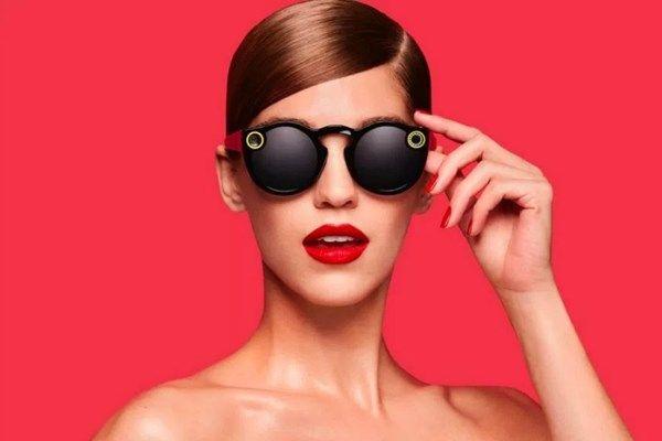 Óculos do Snapchat são eleitos hardware do ano em evento de startups