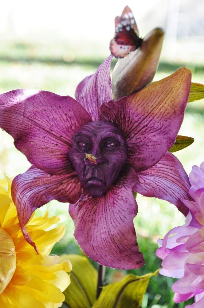 """Alice in Wonderland Talking Flower """"Mr Grumpy"""" Sutherland resin collection"""