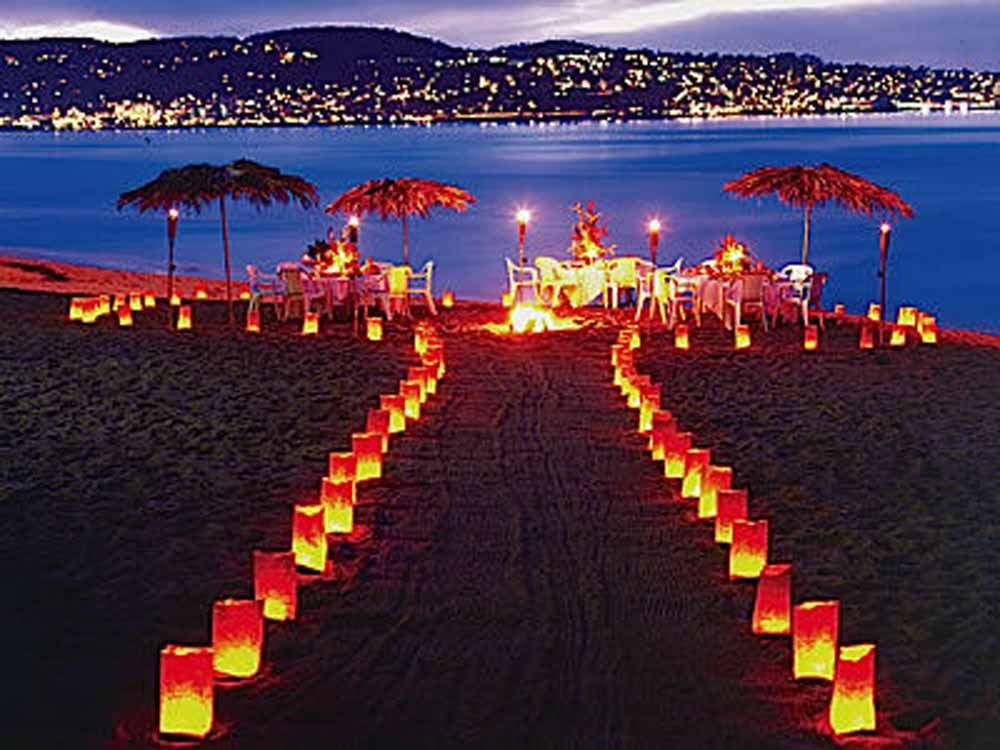 Night Beach Wedding The Gold Wedding Planner Iphone App Everything You Need To Know Night Beach Weddings Budget Beach Wedding Beautiful Beach Wedding