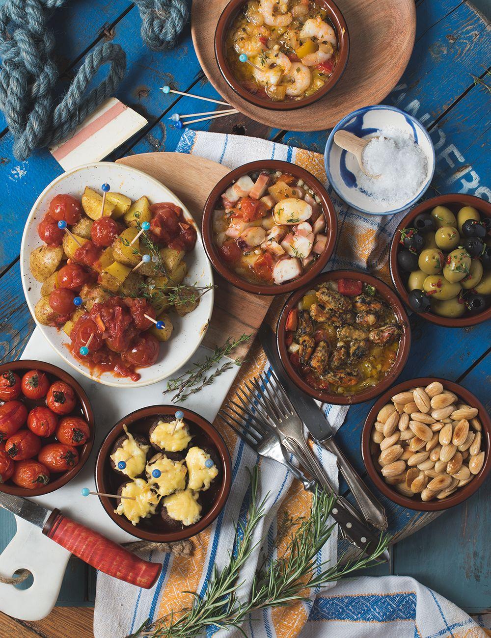 Genial einfacher Tapas Abend, Frutti di Mare, Patatas Bravas ...
