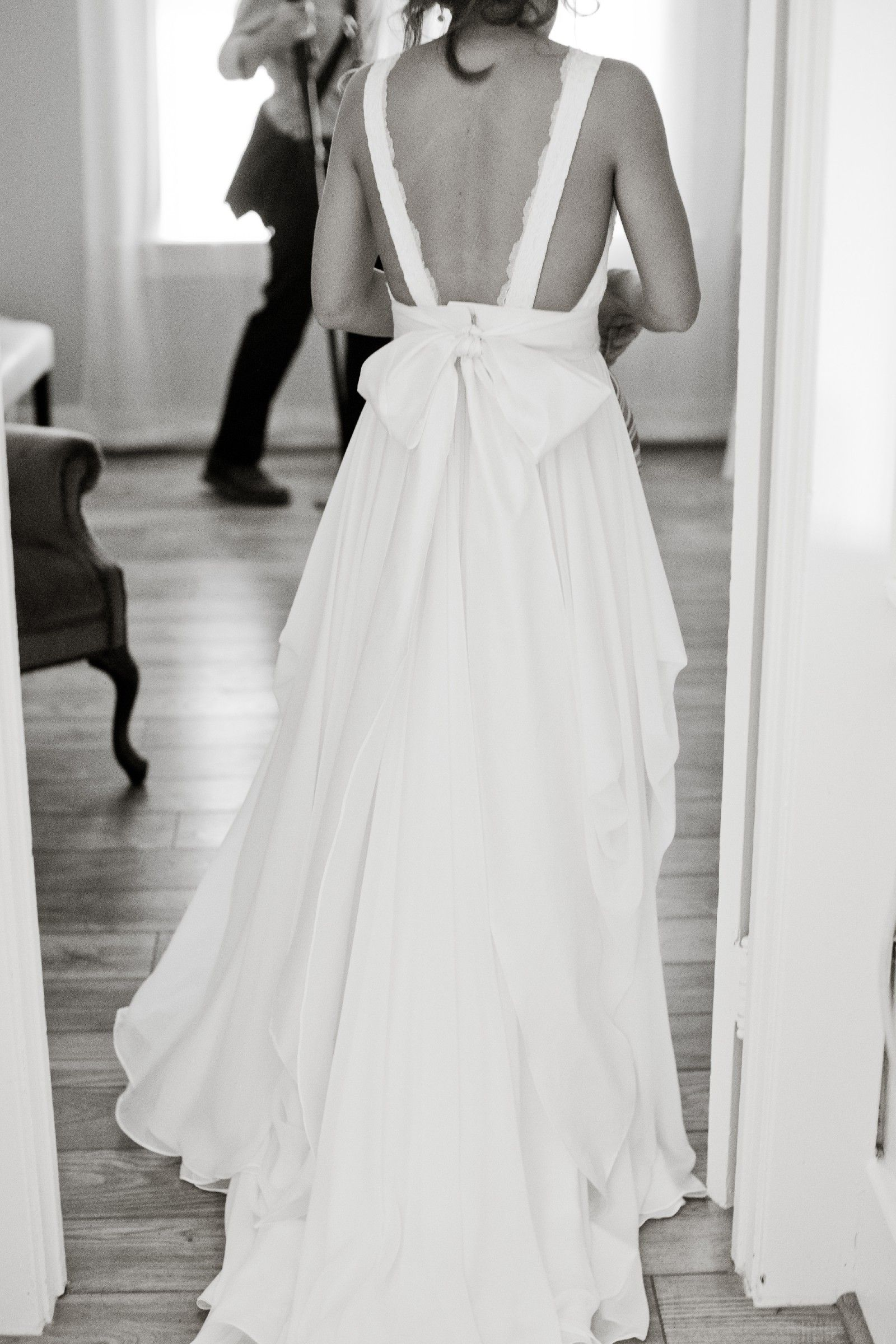 db3bd0bae8f6 Truvelle Michelle Pre-Owned Wedding Dress on Sale 51% Off