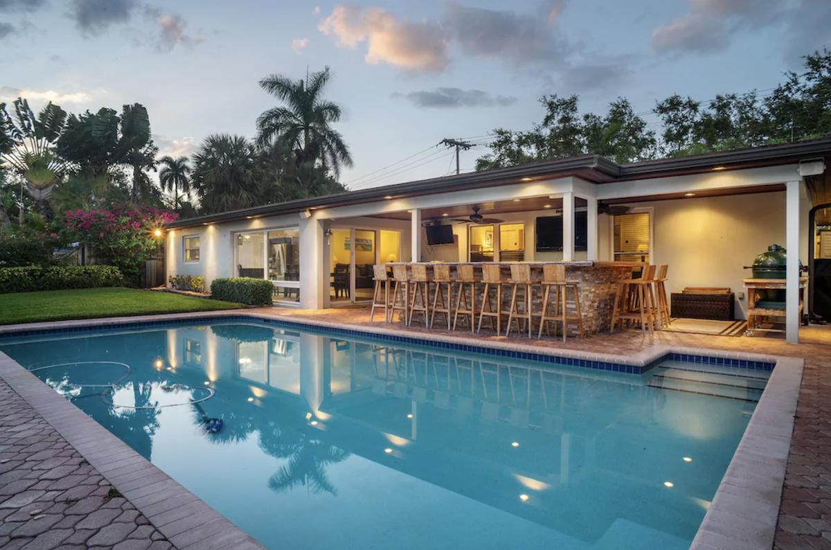 10 Stunning Oceanfront Boca Raton Vacation Rentals In 2021 Florida Beach House Rentals Oceanfront Vacation Rentals Beach House Rental