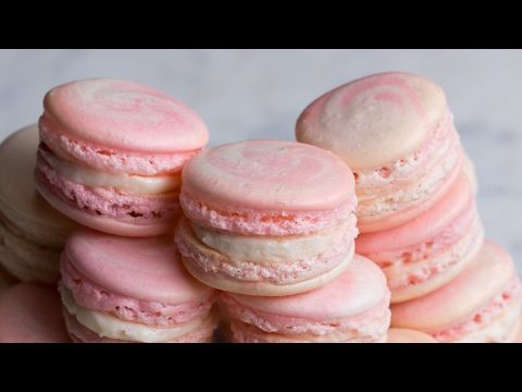 Pin by Gigger Meister on Make Money Online | Macarons, Strawberry cheesecake, Strawberry macaroons