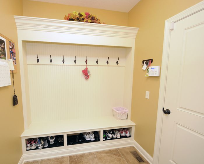 Shoe Storage Bench Ideas Part - 37: Get Stunning Mudroom With Mudroom Bench Plans : Large White Modroom Bench  With Hook And Shoe Storage Design Ideas