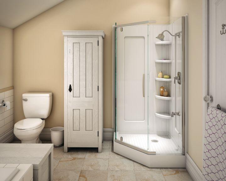 The soft tones in the whitewashed woods give the room a sense of tranquility.   Les teintes douces des bois blanchis inspirent un sentiment de tranquillité. #bathroom #salledebains #inspiration