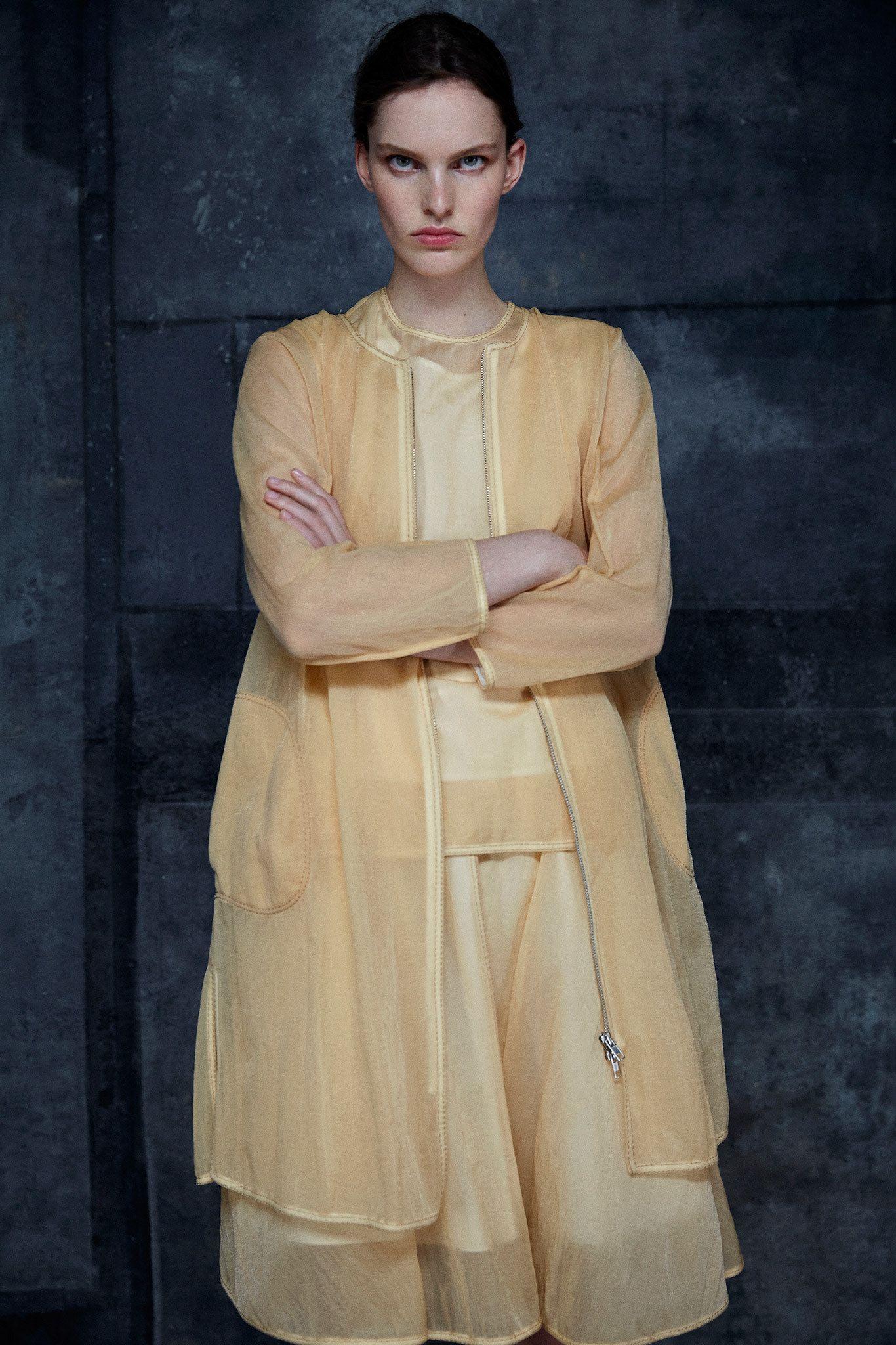 http://www.vogue.com/fashion-shows/resort-2015/ter-et-bantine/slideshow/collection