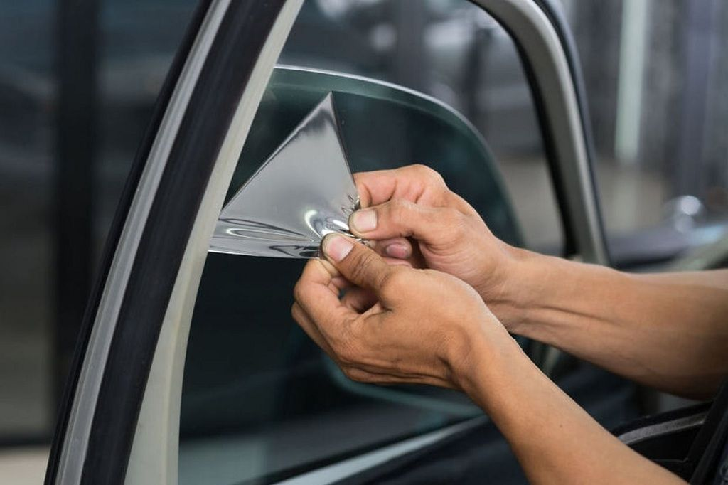 5 Reasons To Get Professional Car Tinting Services