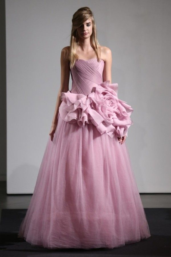 VERA WANG FALL 2014, IN THE PINK | Pinterest | Vestidos para fiestas ...