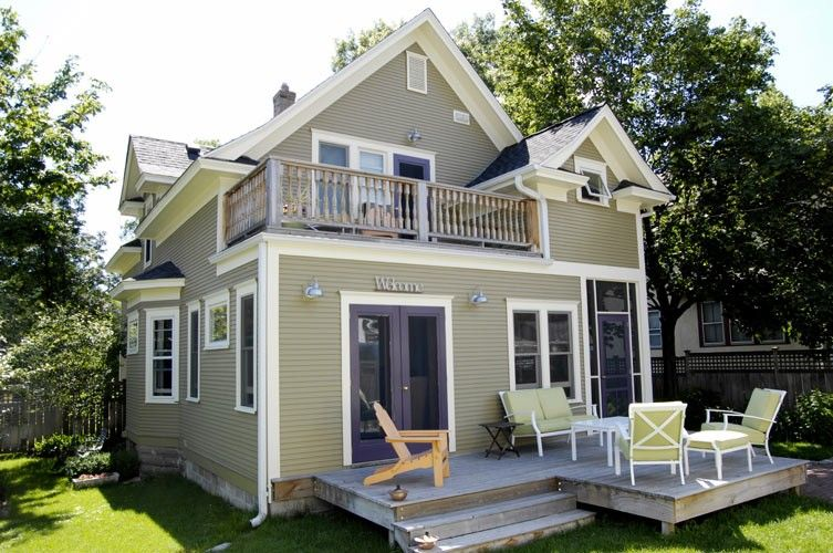 Like This Siding And Trim With Images Home Additions House Design Second Story Addition