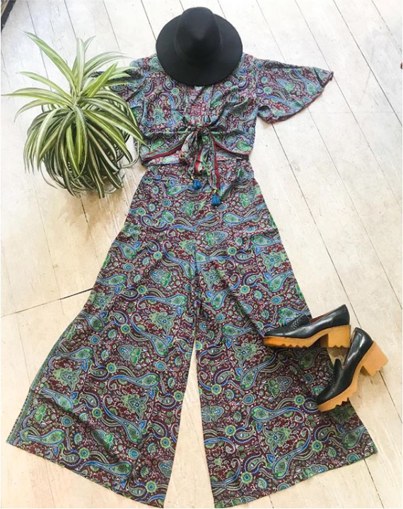 We Love A 2 Piece What Do U Think Of This Little Number Vintage Clothing Boutique Ladies Vintage Clothing Vintage Clothes Shop