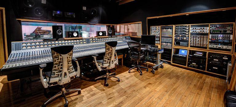 studio 1 control room recording studio pinterest studio home studio et producteur. Black Bedroom Furniture Sets. Home Design Ideas