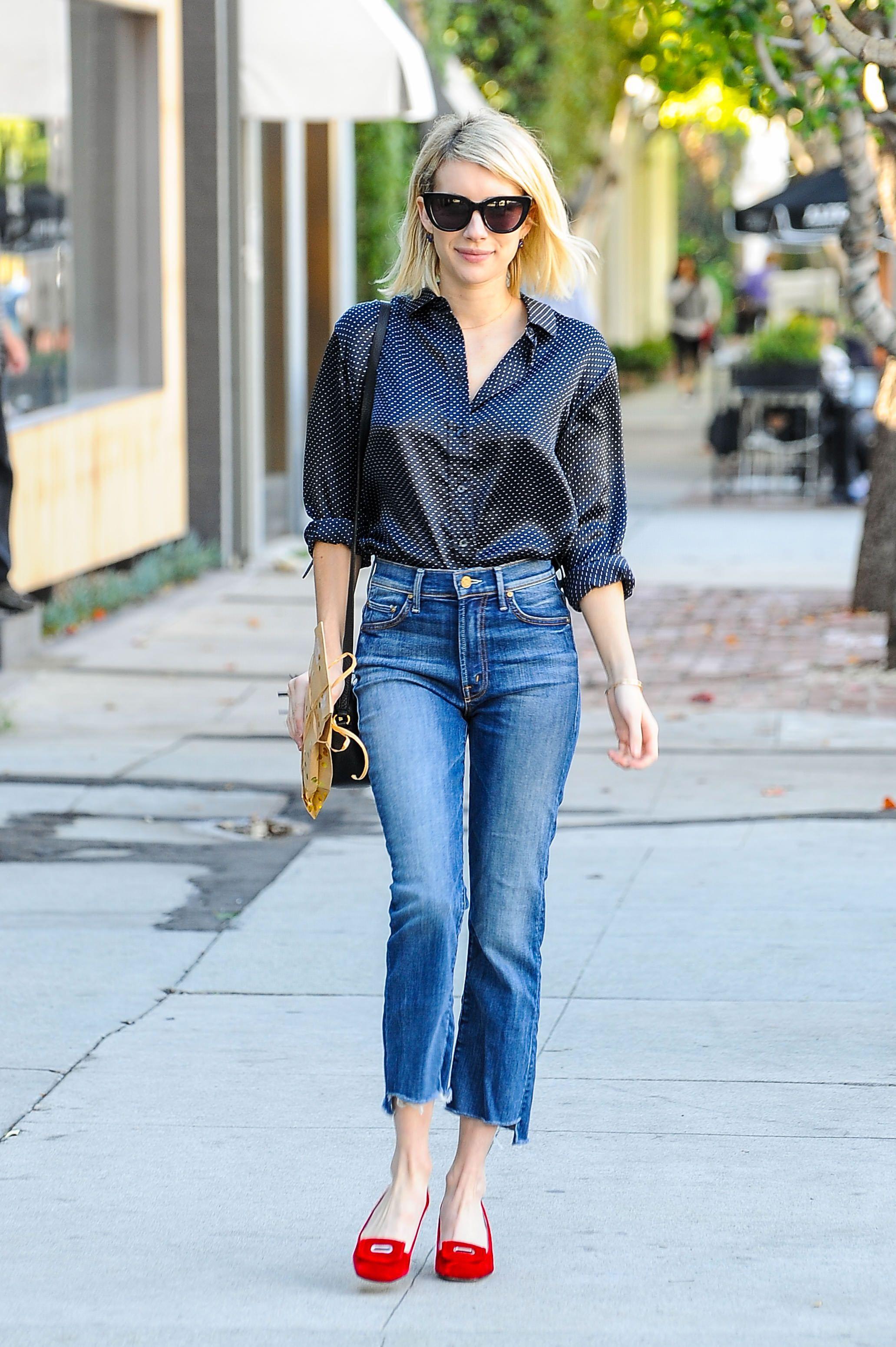 Emma Roberts i fransiga korta jeans