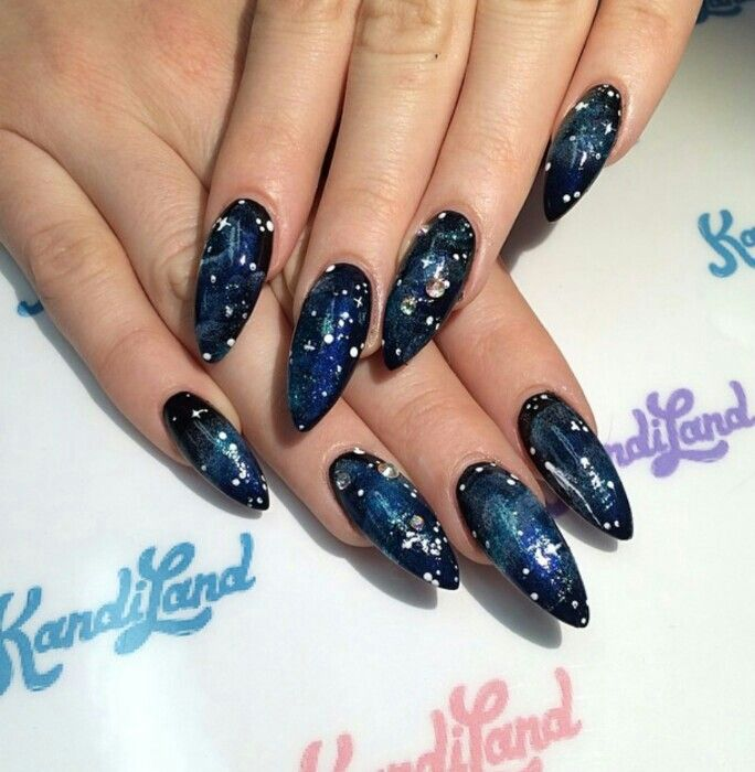 Kandi Land nails : galaxy