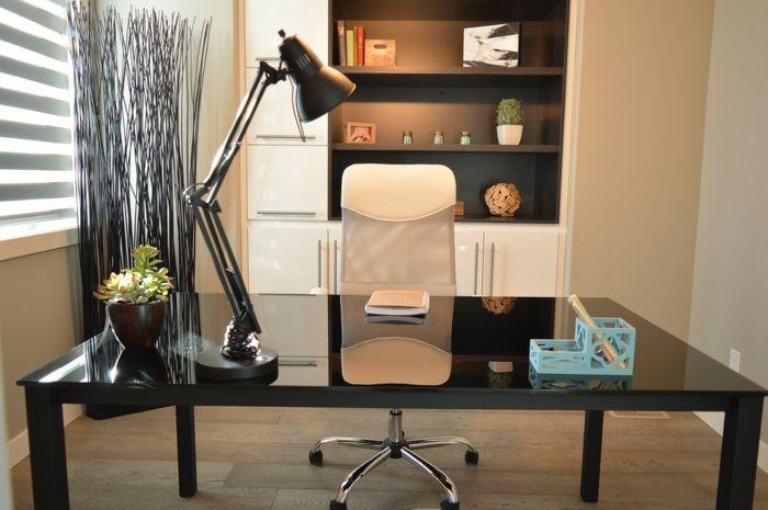 Kleines Arbeitszimmer ~ Arbeitszimmer in creme schwarzer schreibtisch blauer stifthalter