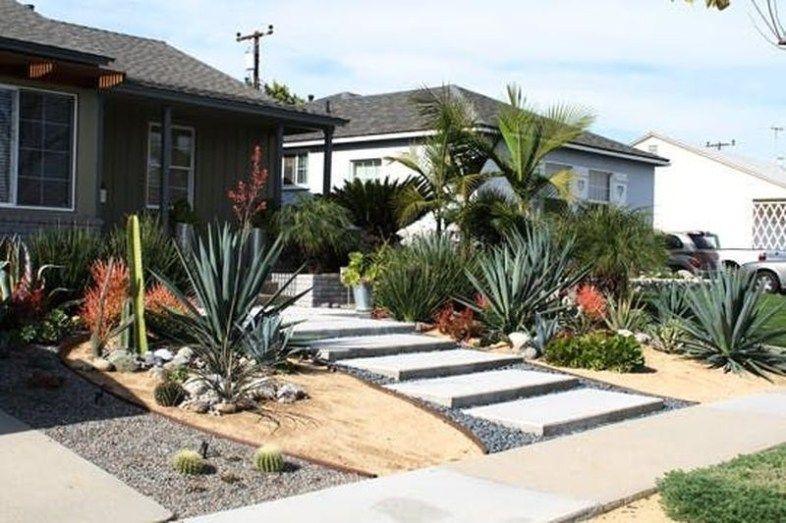 51 Stunning Front Yard Landscapes with Succulent - decorrea.com #modernfrontyard