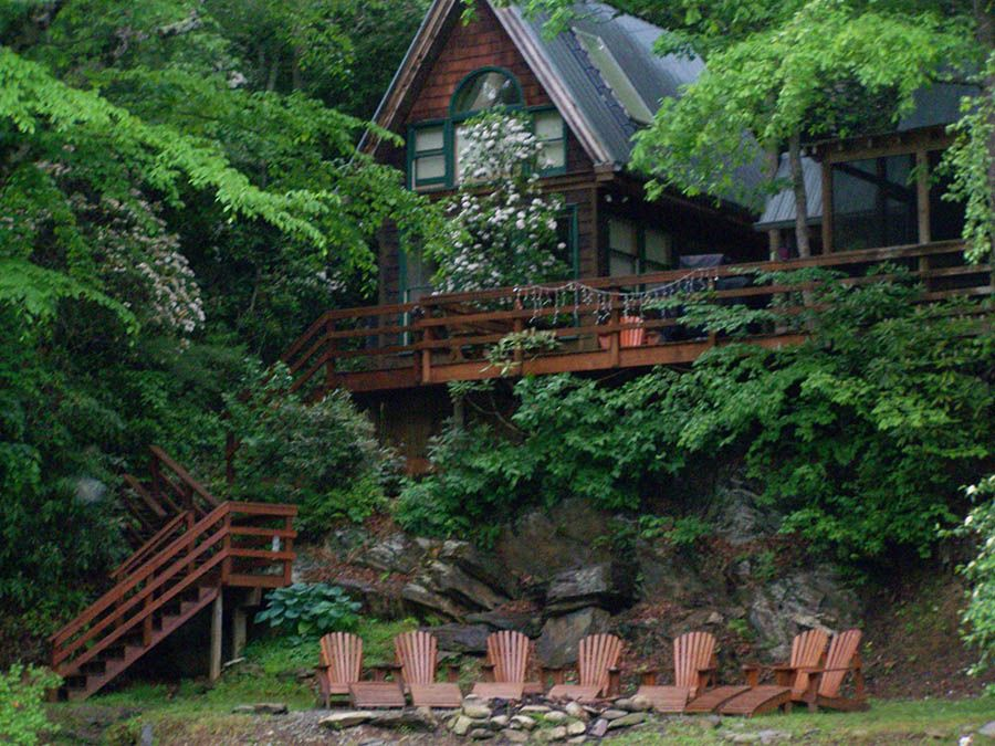 Toccoa House Properties Is Located In The Mountains Of Blue Ridge Georgia With 4 Distinct Rental Cabins A House Property Georgia Cabins Georgia Cabin Rentals