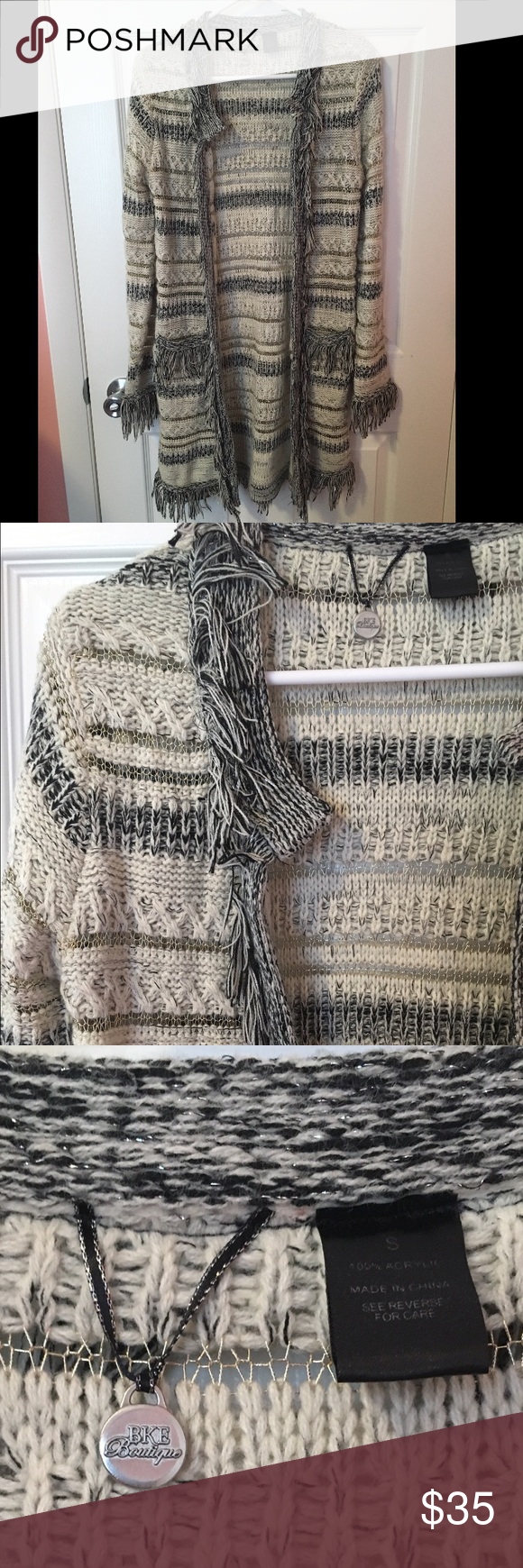 BKE Boutique sweater size Small Perfect condition, worn twice for a couple hours. Adorable and super comfortable. Size small, smoke free home. BKE Sweaters Cardigans