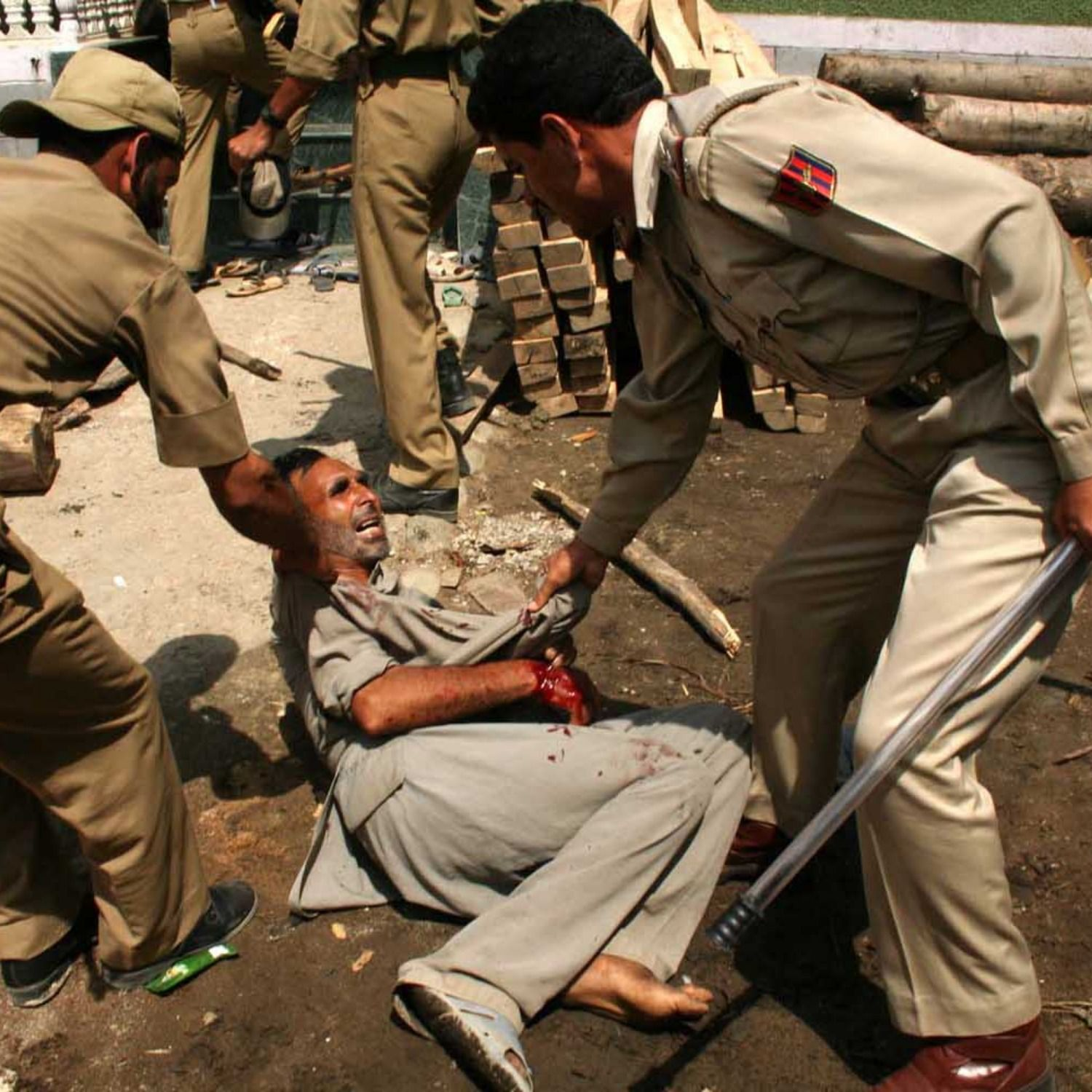 Indian Army Beat Muslims in Kashmir 2019 (With images