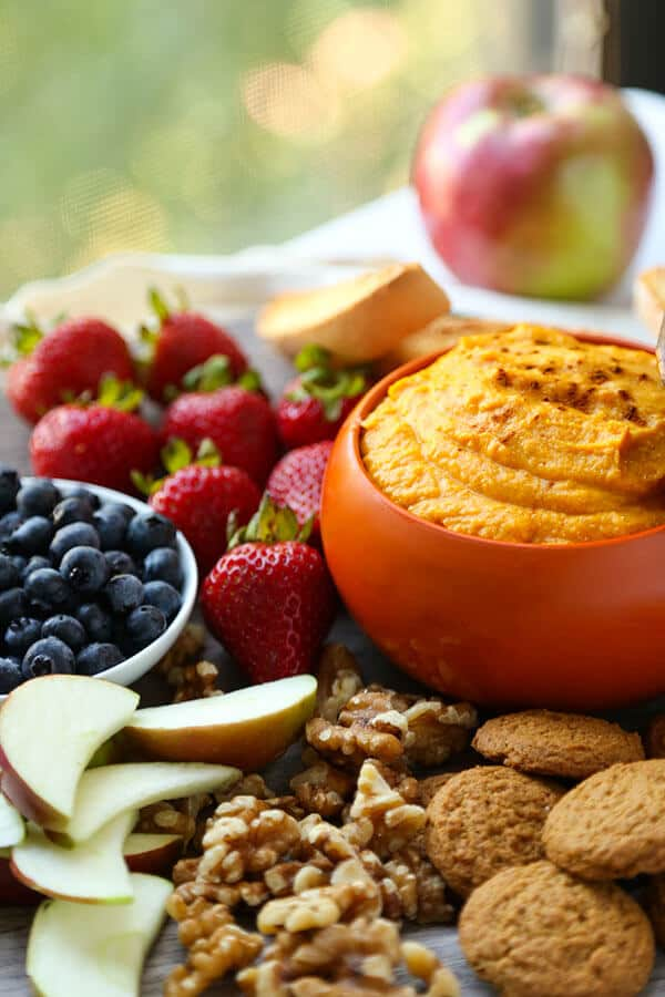 10-Minute Pumpkin Dip #pumpkindip 10-Minute Pumpkin Dip Recipe - Pickled Plum Food And Drinks #pumpkindip