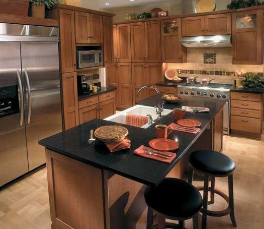 Medium Brown Kitchen Cabinets: StarMark Cabinetry Farmington Door Style In Quarter Sawn
