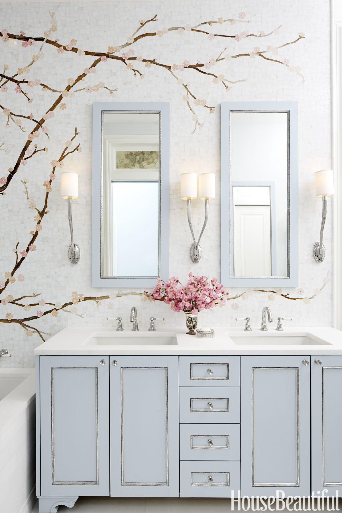 Inside a Bathroom Where an Elegant Mural Is the Star | Tile murals ...