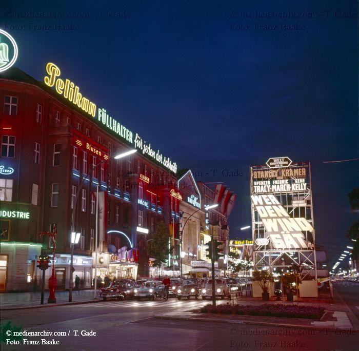 Berlin Kudamm 1960 Berlin Charlottenburg Deutschland Germany Kudamm Kurfurstendamm Medienarchiv Com Fotos Berlin Shoppen Berlin Deutschland Germany