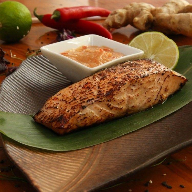 طريقة عمل سلمون بصلصة الميسو الحارة أطباق الأسماك وثمار البحر Recipes Food Arabic Food