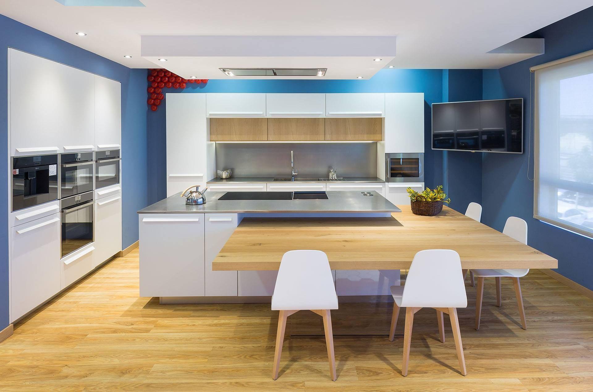 Las ideas se lanzan y luego se plasman las cocinas for Cocina rustica que adorna la idea
