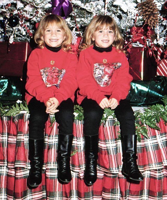 Hollywood Christmas Parade 2019.Mary Kate Olsen Left Ashley Olsen Right Hollywood