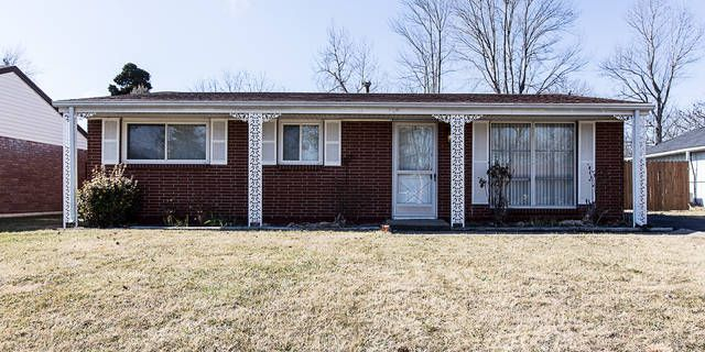 Here's your chance to own a well-maintained 3 BR brick ranch on a nice street in #Clarksville w/ 1.5 car detached garage w/ covered porch to relax or play in the pool! IMMEDIATE POSSESSION! New Dimensional Roof 2 years ago, replacement windows, coat closet, washer/ dryer & Fridge remain.   #PaxtonGroup #SouthernIndiana #Homes