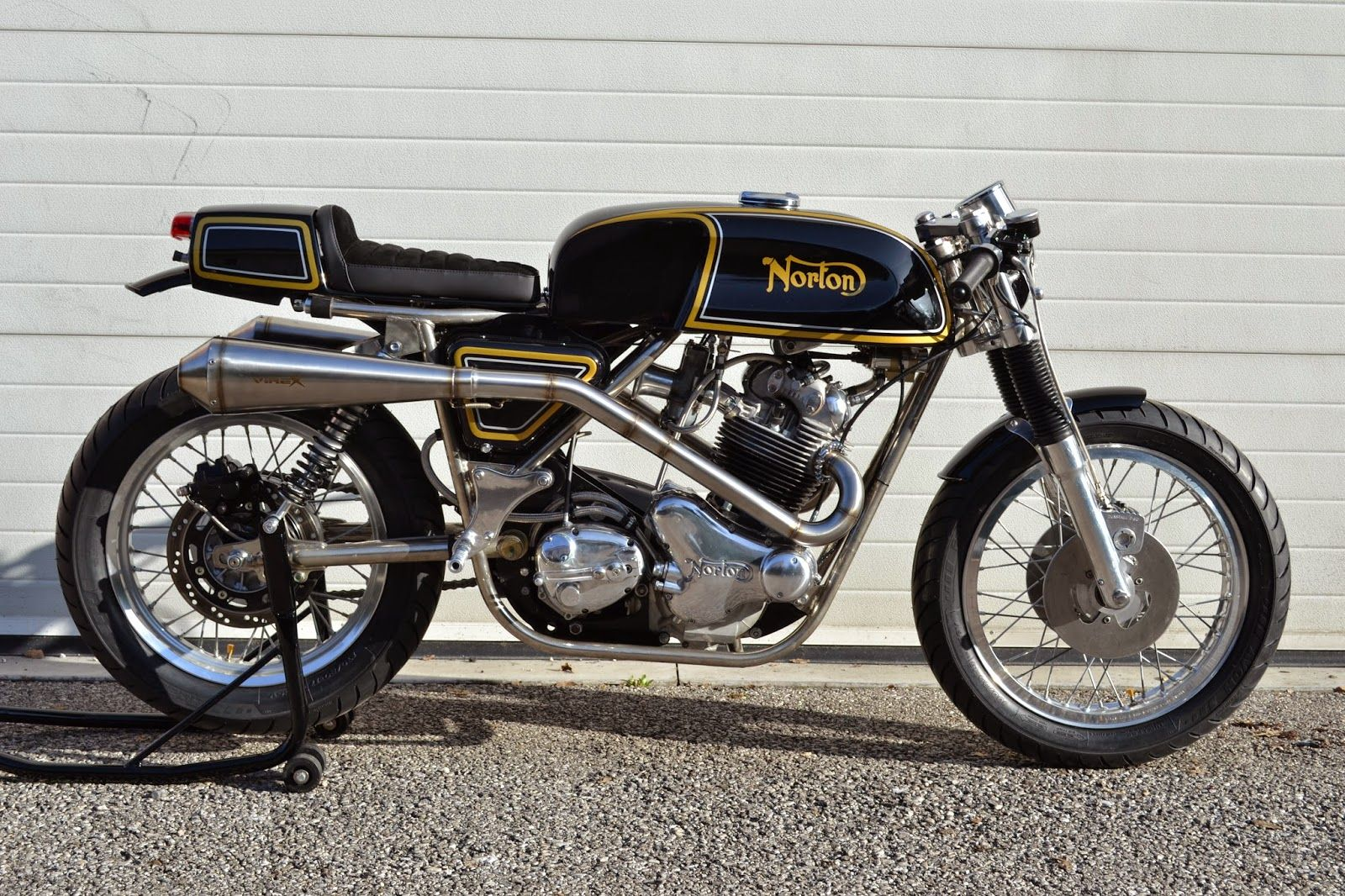 another pic of the Norton Cafe Racer