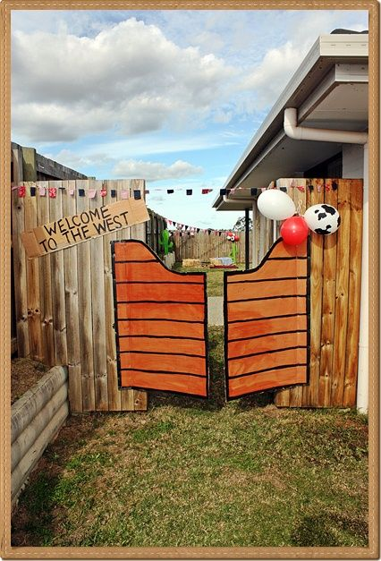 DIY saloon doors for a wild west cowboy #party