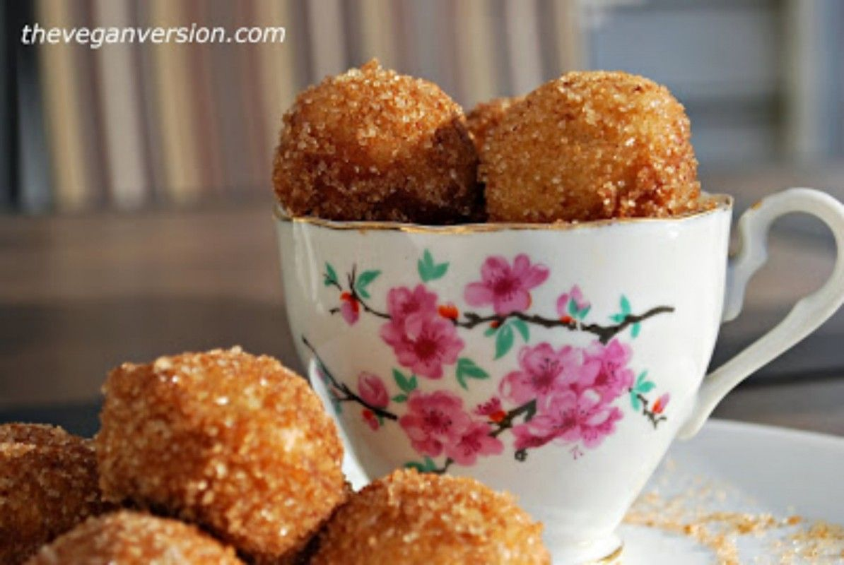 http://www.onegreenplanet.org/vegan-recipe/pumpkin-spice-doughnut-holes/
